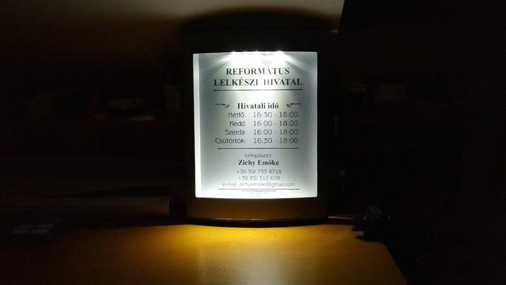 Református-világítótábla
